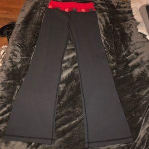Lululemon size 6 reversible pants